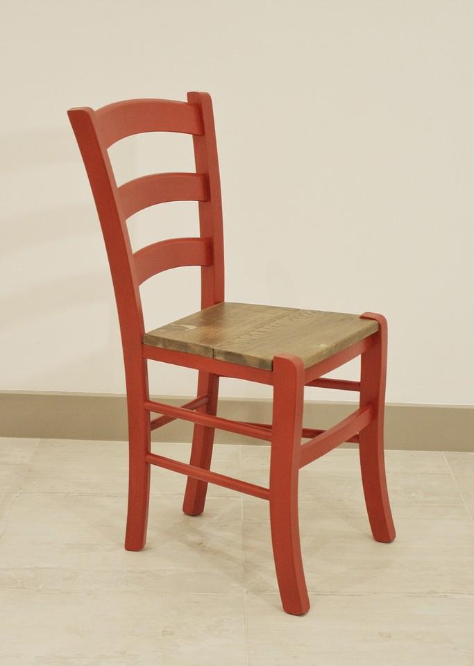 Realizzazione artigianale di sedie e sgabelli emanuele for Sedie made in italy